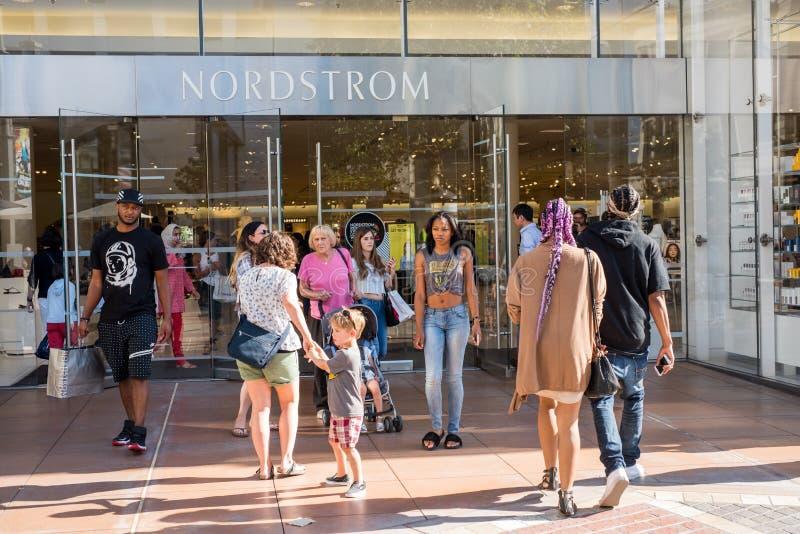 Magasin de Nordstrom au verger images stock