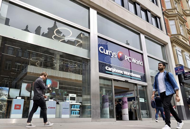 Magasin de pcworld de Currys, rue d'Oxford, Londres photo stock