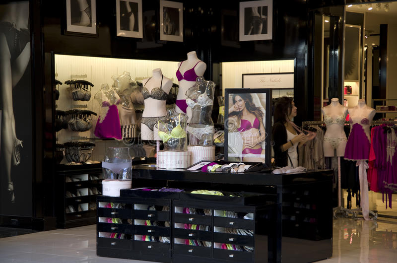 Magasin de sous-vêtements de Victoria's Secret photos libres de droits