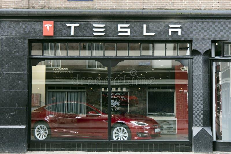 Magasin de Tesla à Amsterdam images libres de droits