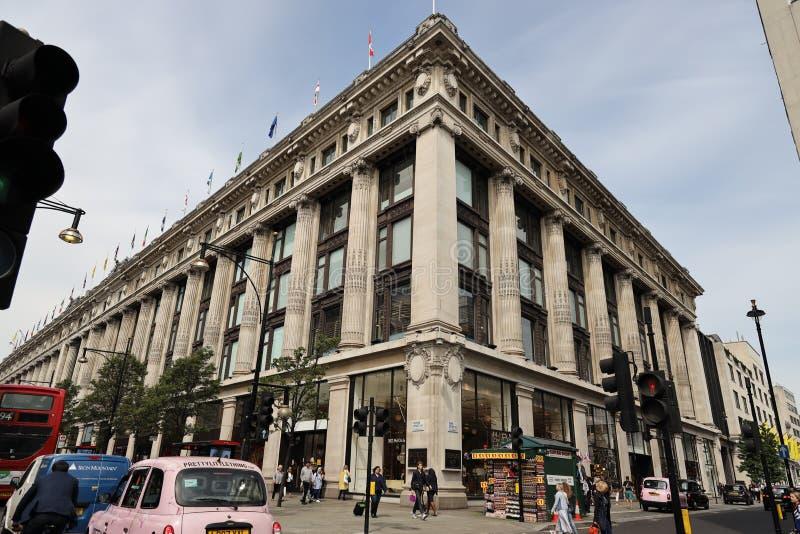 Magasin embl?matique de Selfridges dans la rue d'Oxford, Londres images libres de droits
