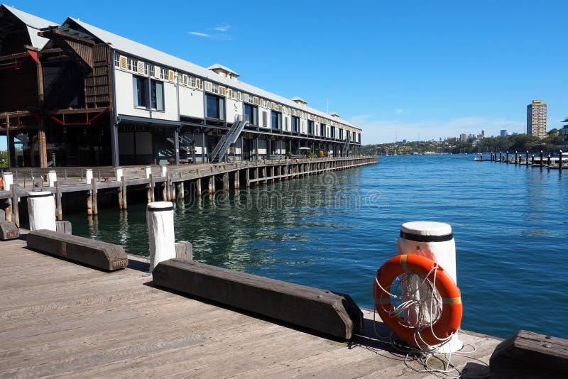 Magasin en esclavage historique sur le quai en bois, baie de Walsh, Sydney, Australie photos stock