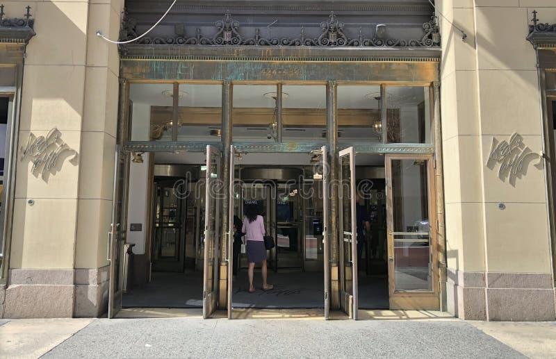 Magasin populaire de mode de seigneur et de Taylor Shopping New York Store de NYC photos libres de droits