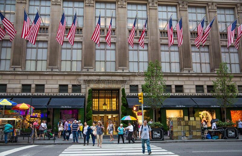 Magasin sur Fifth Avenue New York City photos libres de droits