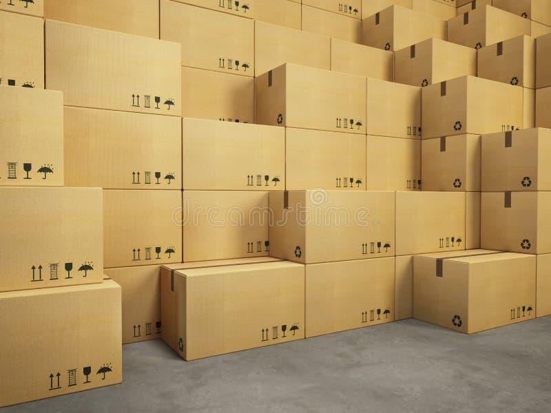 Magazzino con la pila di scatole di cartone fotografia stock libera da diritti