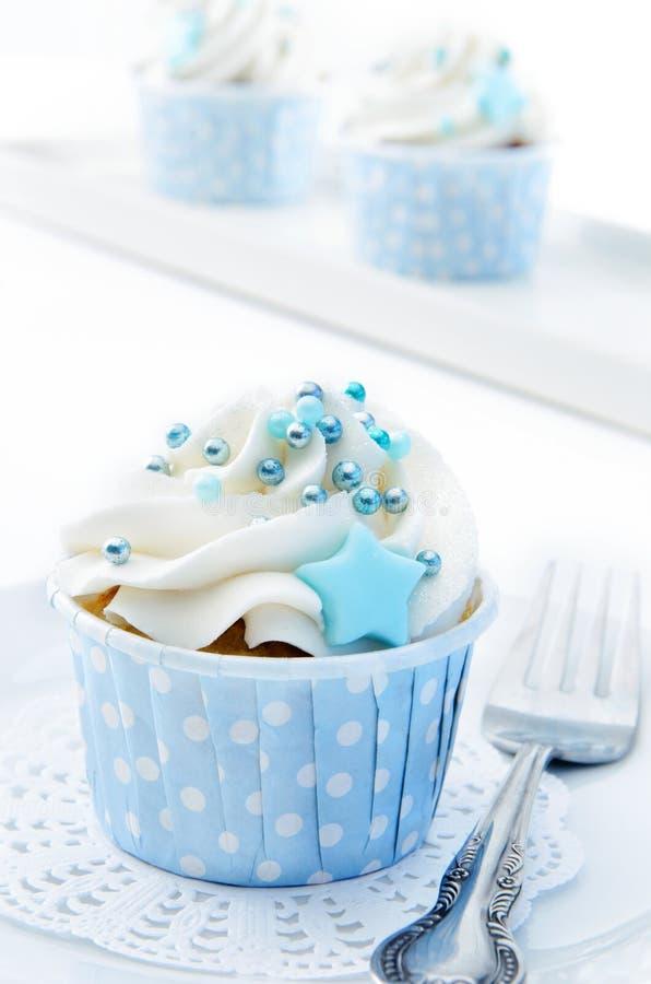 Magdalenas azules y blancas fotos de archivo