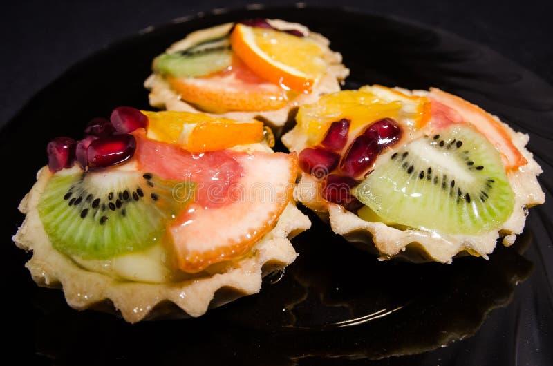 Magdalenas de la fruta imágenes de archivo libres de regalías