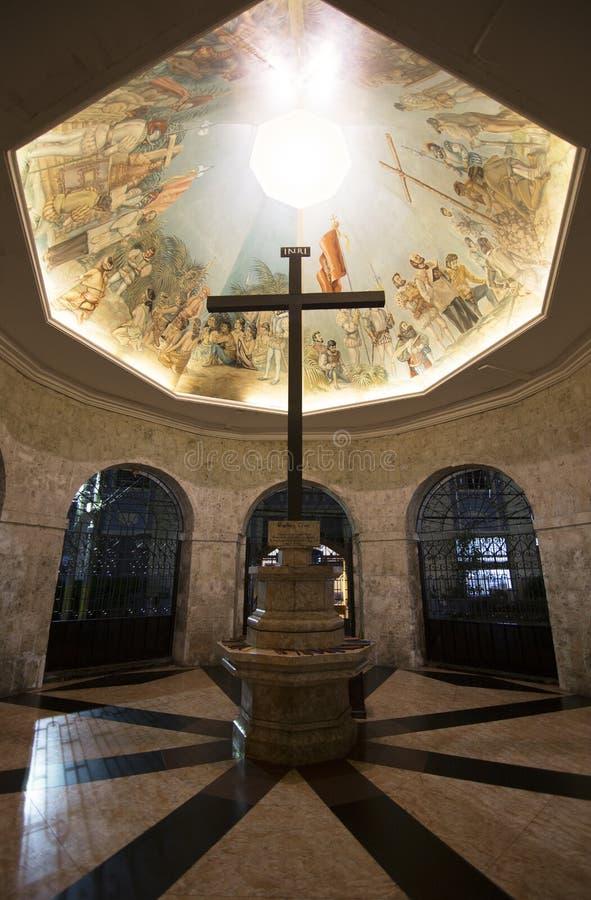 Magellanskruis in kapel in Cebu stock foto's