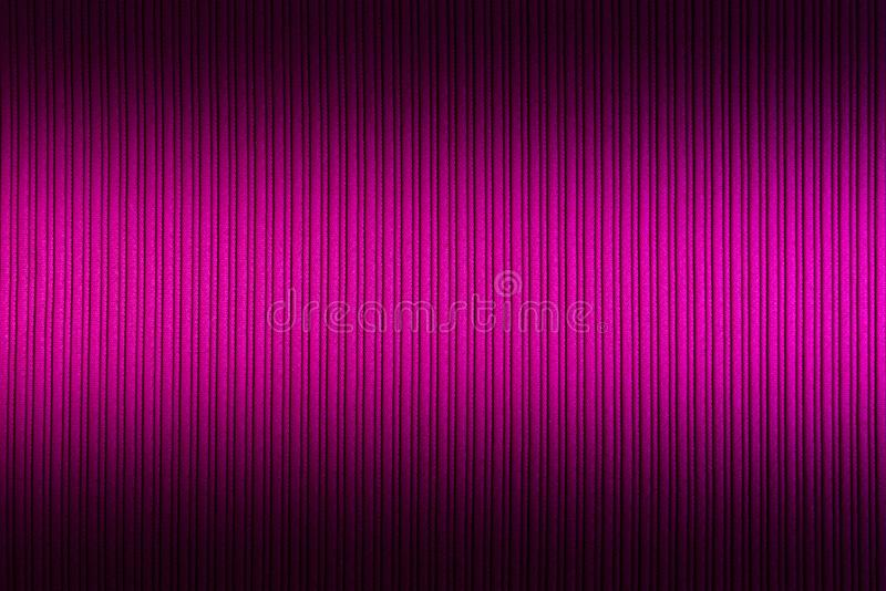 Magenta decorativa do fundo, cor f?csia, roxa, inclina??o superior e mais baixo da textura listrada wallpaper Arte Projeto fotos de stock royalty free