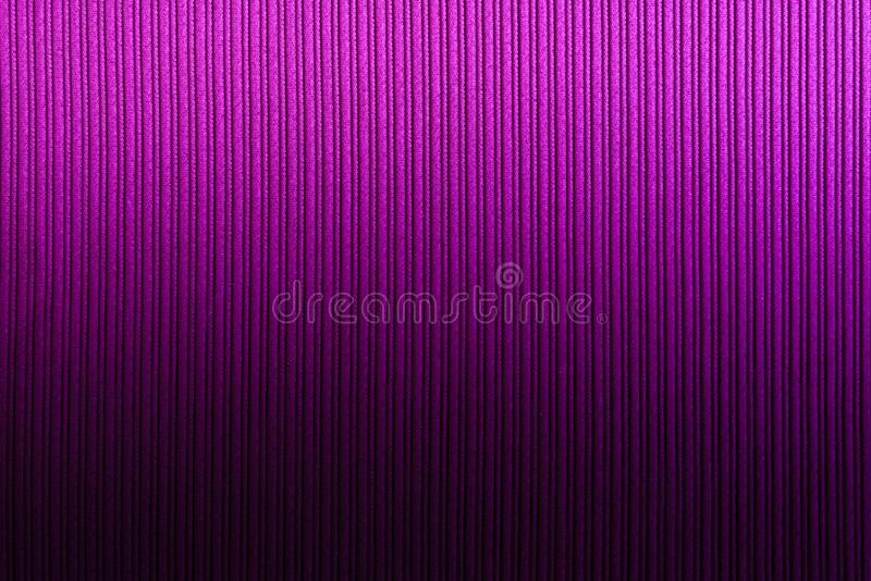 Magenta decorativa do fundo, cor f?csia, roxa, inclina??o vertical da textura listrada wallpaper Arte Projeto foto de stock royalty free