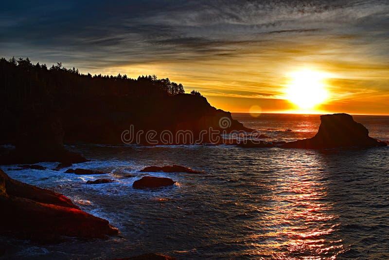 Magestic-Sonnenuntergang an der Kap-Schmeichelei stockfotografie