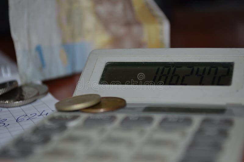 Magi av siffror Elektroniska skriftliga och pengar fotografering för bildbyråer