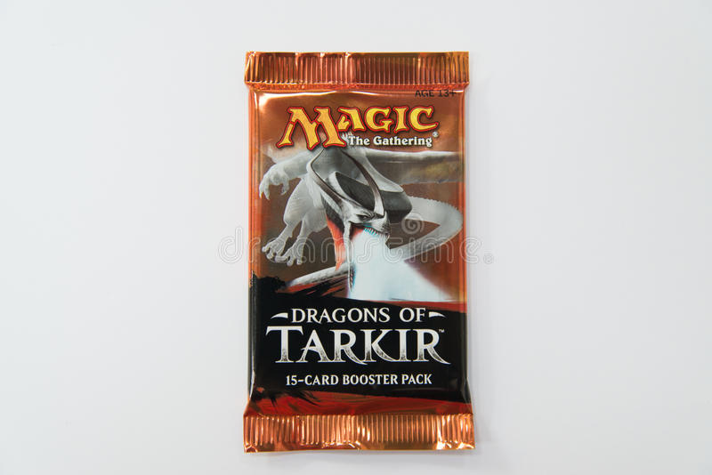 Magia che i draghi della riunione del ripetitore di Tarkir imballano immagine stock libera da diritti