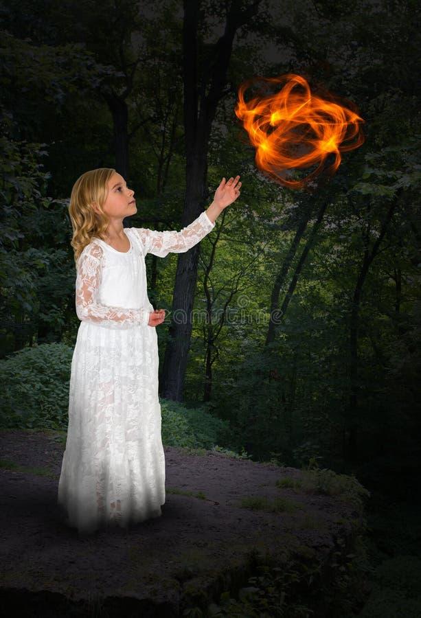 Magia della ragazza, mistica, strega, fascino immagini stock libere da diritti