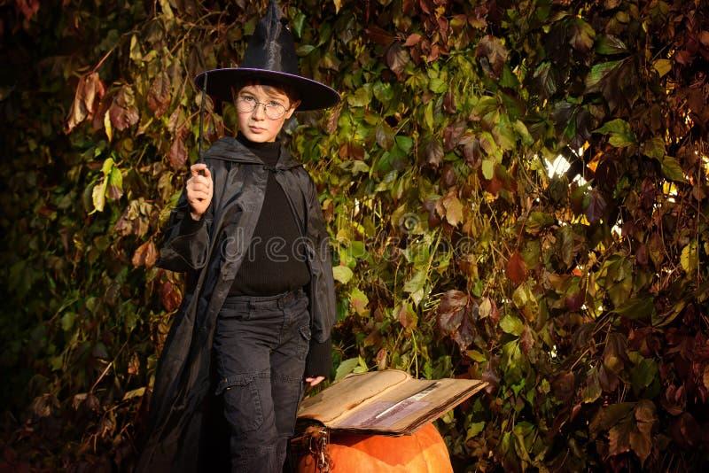 Magicien d'apprenti photo libre de droits