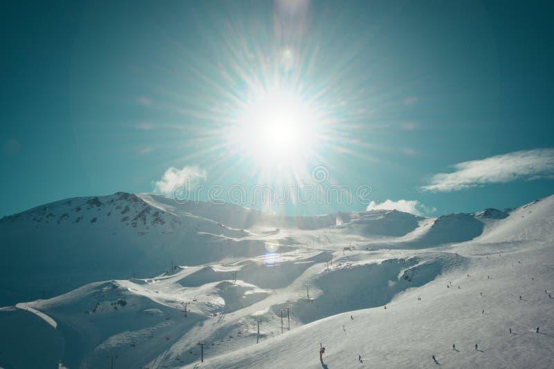 Magiczne śnieżne góry Mt Hutt w Nowa Zelandia obrazy royalty free