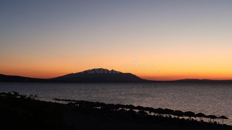 Magiczni kolory na horyzoncie momenty Przed słońcem Iść Up Sunris zdjęcie stock