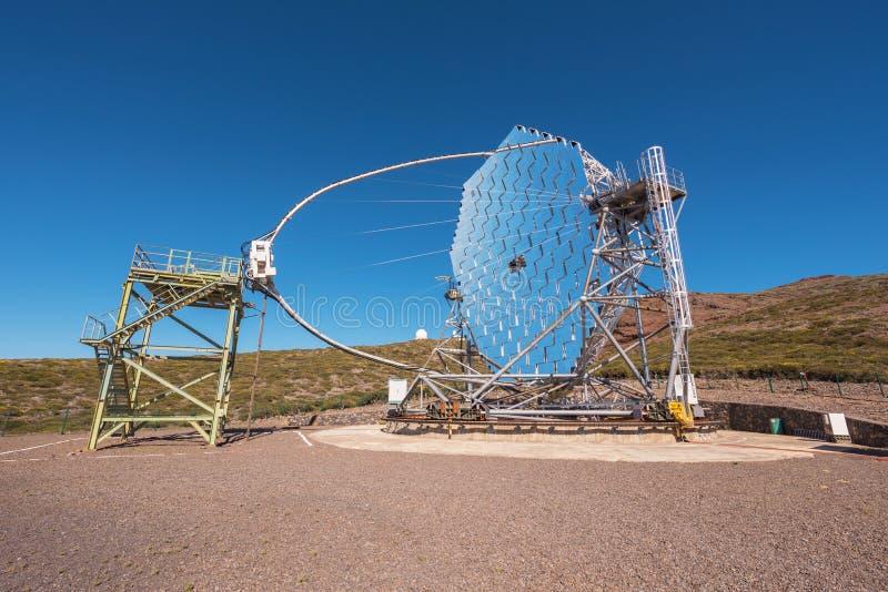 Magiczny gamma promienia teleskop w ORM obserwatorium Roque De Los Muchachos, wyspy kanaryjskie, Hiszpania fotografia stock