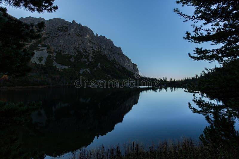 Magiczny Jeziorny Popradske pleso w Wysokim Tatras Sistani fotografia royalty free