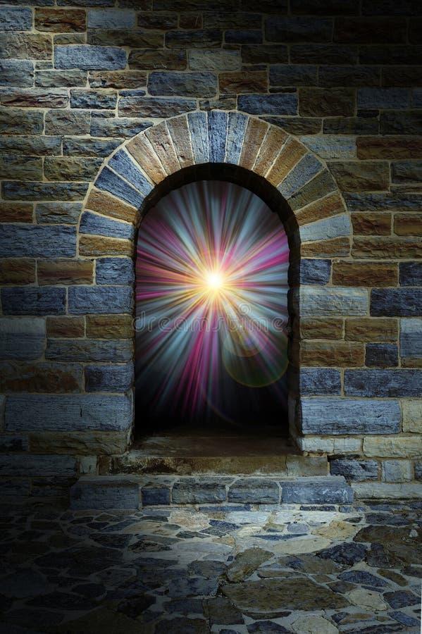 Magiczny vortex w kamiennym łękowatym drzwi royalty ilustracja