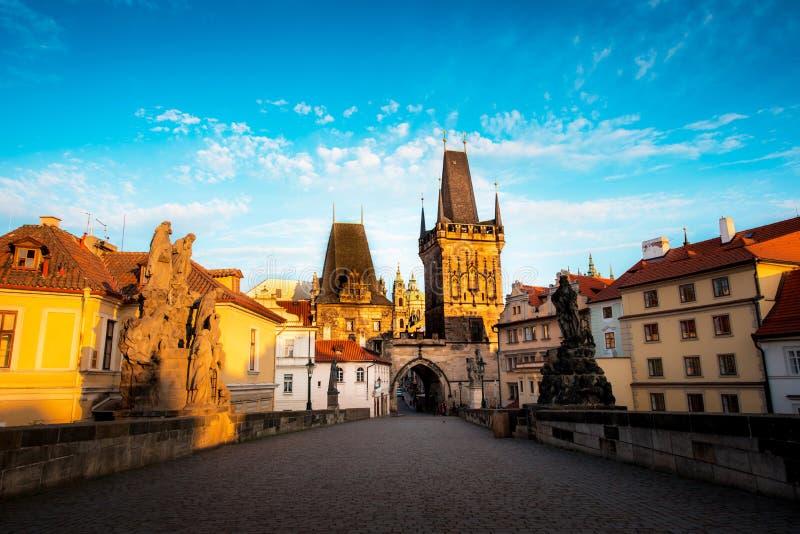 Magiczny widok od Charles mosta Stary miasteczko w Praga, czech Ponowny obrazy royalty free