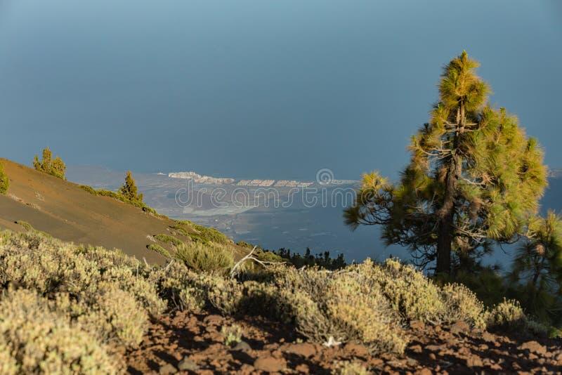 Magiczny zmierzch nad chmury w Tenerife górach w wyspach kanaryjskich zdjęcie stock