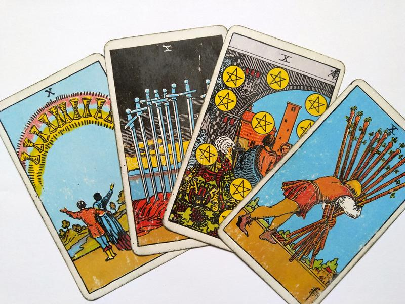 Magie occulte de divination de cartes de tarot photo stock