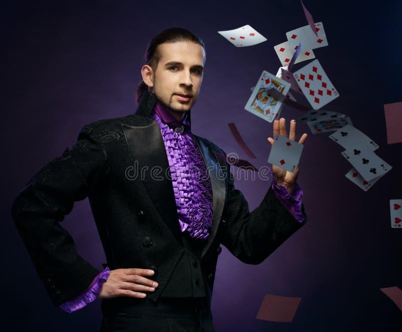 Magik w scena kostiumu zdjęcia stock