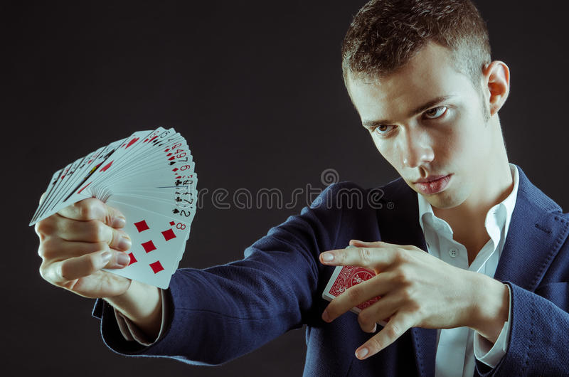 Magik z kartami zdjęcia stock