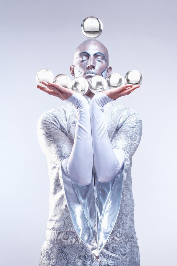 Magik z Szklanymi piłkami zdjęcie royalty free