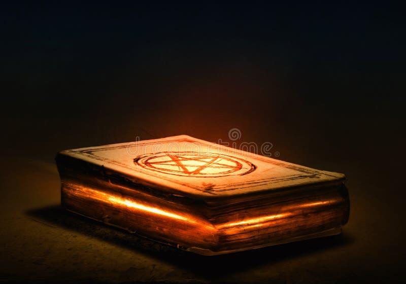 Magisch boek royalty-vrije stock afbeelding
