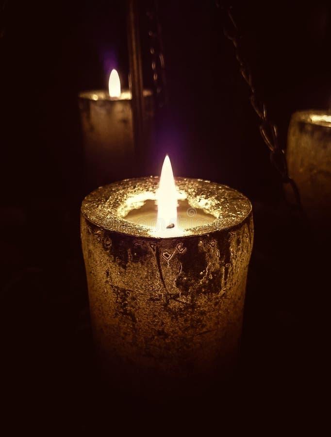 Magisch kaarslicht op kettingen royalty-vrije stock foto