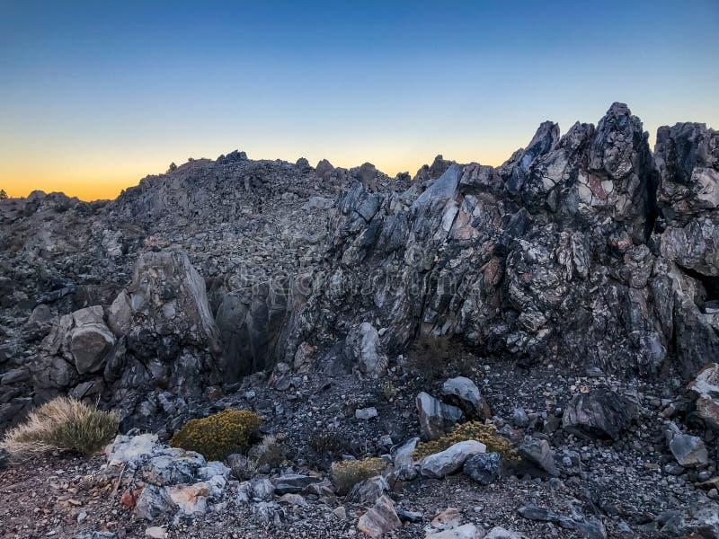 Magisch Weergeven van Zonsondergang bij Panum-Krater royalty-vrije stock foto's