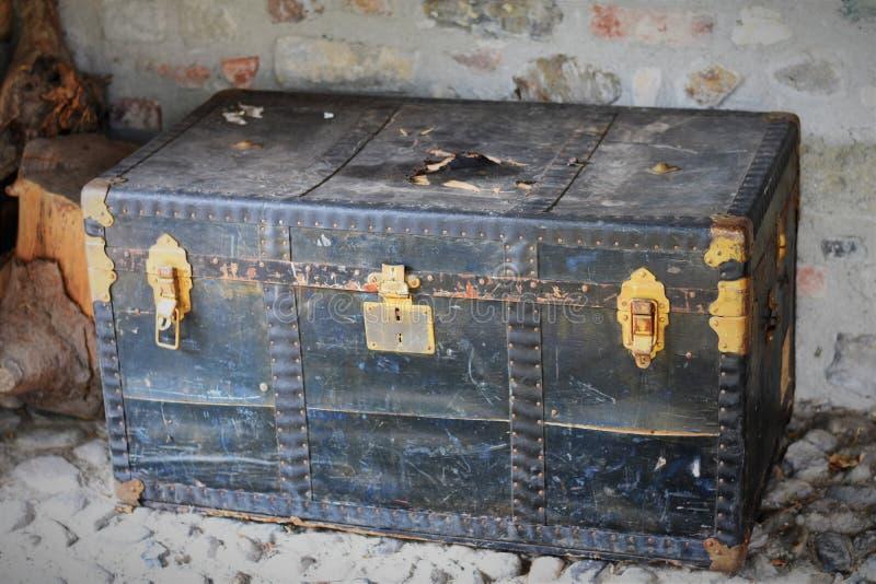Magische cest met een geheime inhoud royalty-vrije stock afbeelding