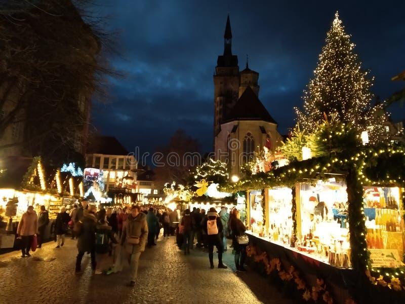 Magische te bezoeken plaatsen Stuttgart bij Kerstmis Kerstmismarkten Gotische Architectuur royalty-vrije stock afbeelding