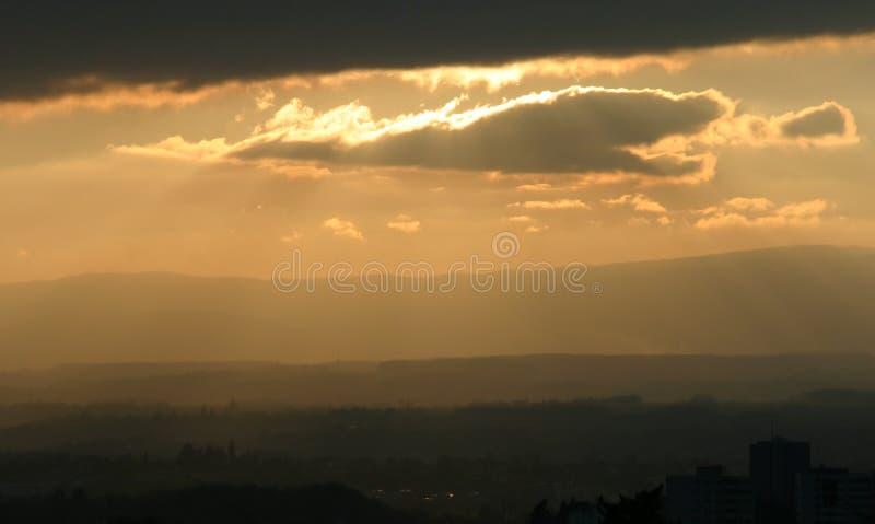 Magische zonsondergangverlichting royalty-vrije stock afbeelding