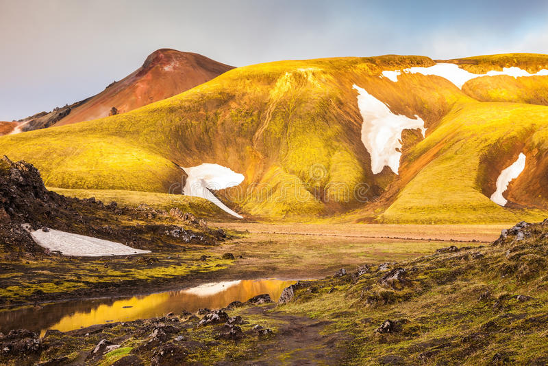 Magischer Sonnenaufgang in der Arktis lizenzfreies stockfoto