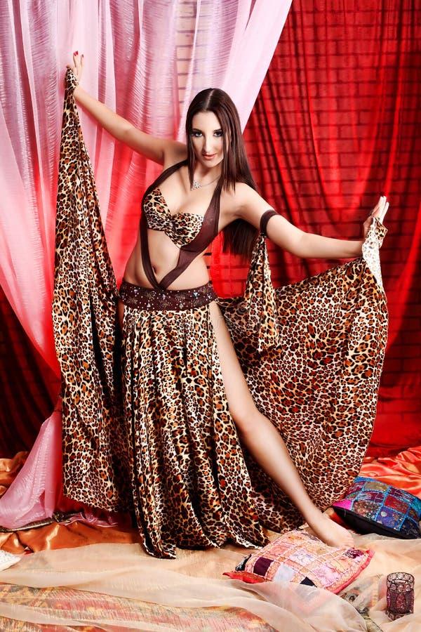 Magischer Tanz lizenzfreie stockfotos