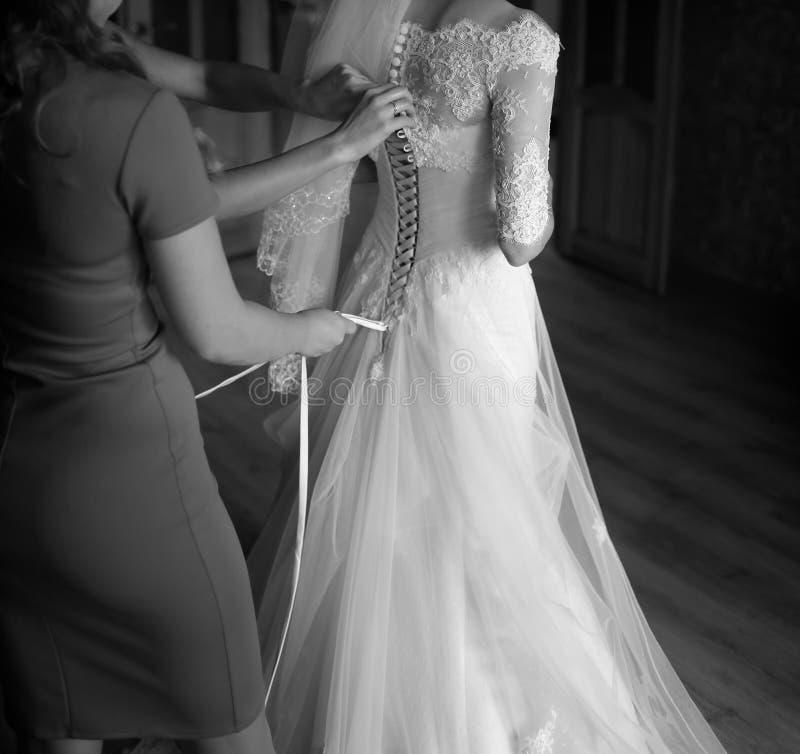 Magisk brud- morgon brud som får klar royaltyfri fotografi