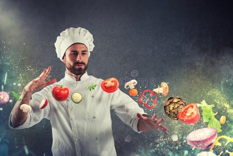 Magisk kock som är klar att laga mat en ny maträtt royaltyfria foton