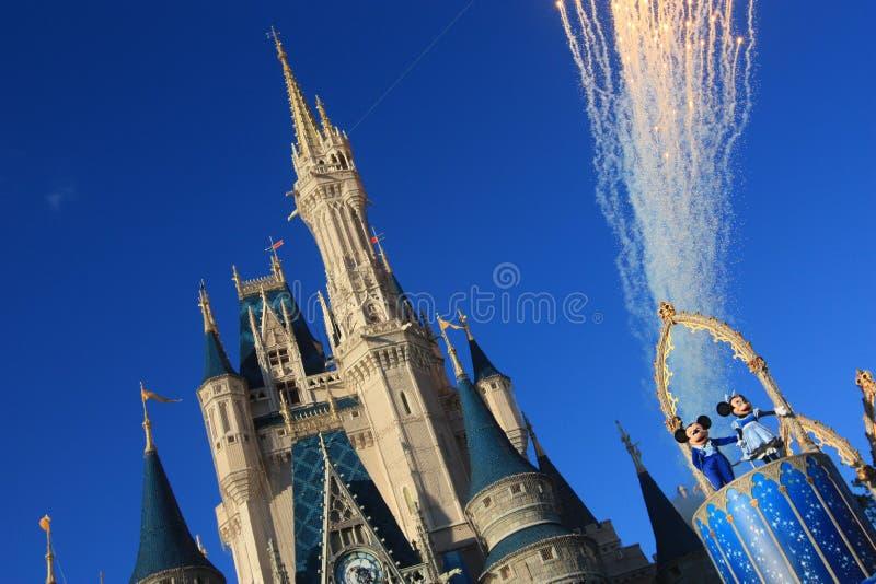 Magisk kungarikeslott i den Disney världen i Orlando royaltyfria foton