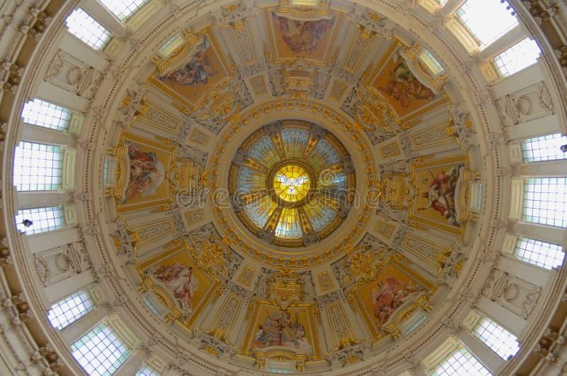 Magisk kupol av Berlin Cathedral arkivfoton