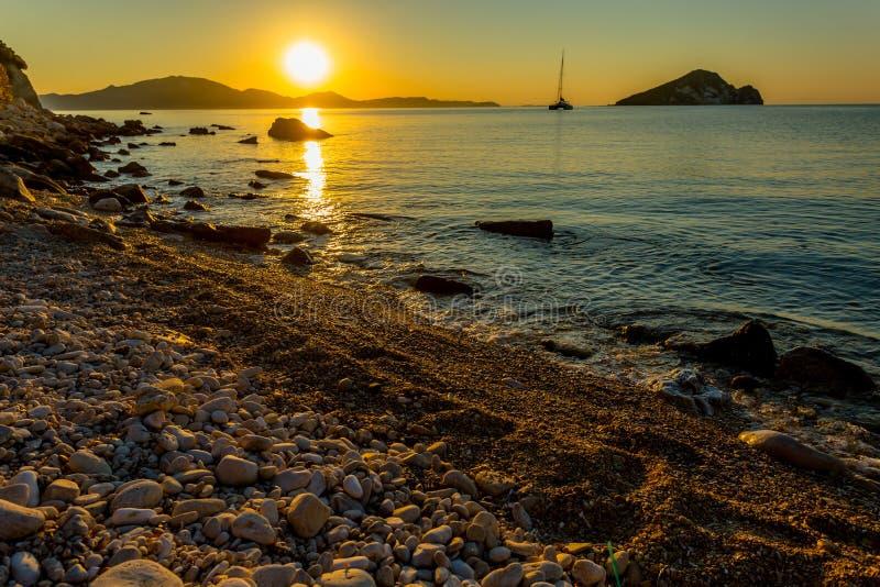 Magisk soluppgång på Zakythos arkivfoton