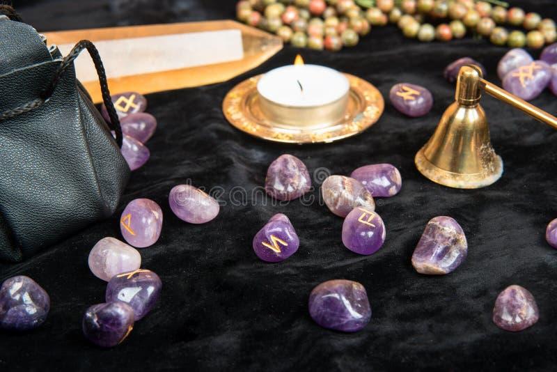 Magiska runor av stenen arkivfoton