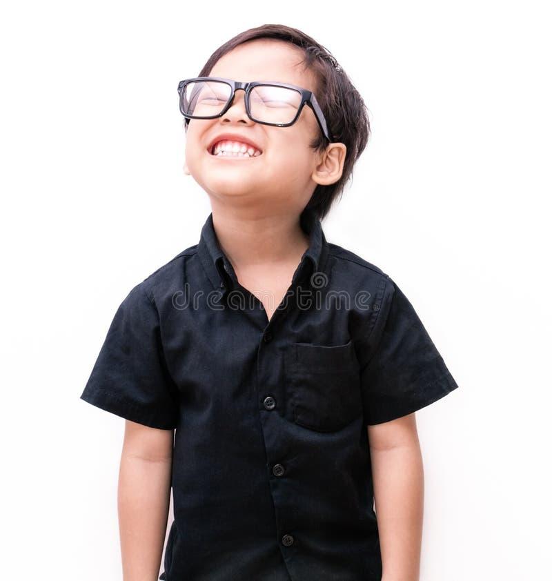 Maglietta posteriore con giovane piccolo felice fotografia stock libera da diritti