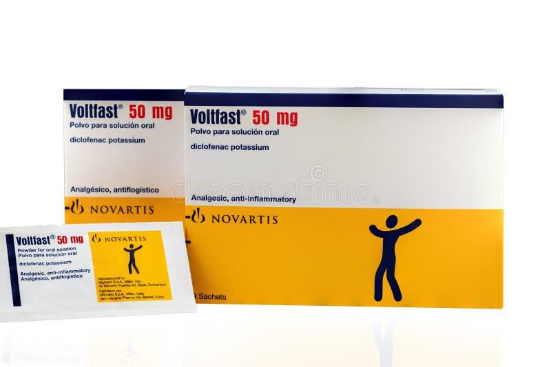 Magnésio de Voltfast 50 Produto do potássio de Diclofenac de Novartis Manufaturado por Mipharm, Itália para Novatis Pharma, Suíça fotos de stock royalty free