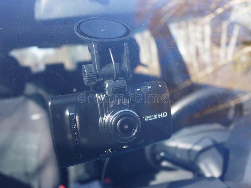 Magnétoscope pour la voiture Utilisé pour enregistrer ce qui se produit sur la route Installé sur le pare-brise et photographie stock libre de droits