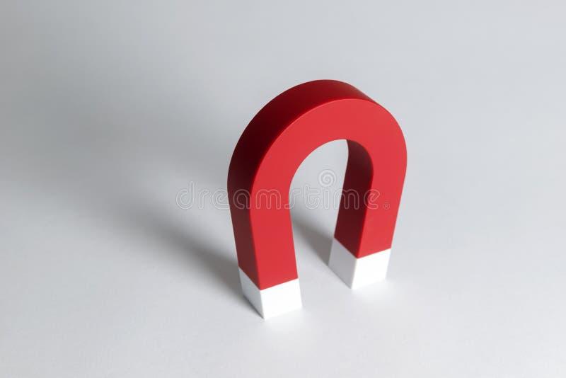 Magnet-Hufeisen Rote Farbe lizenzfreie stockfotos