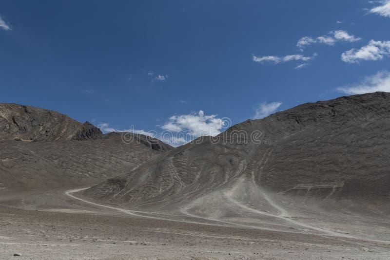 Magnetische heuvel in Leh, ladakh, India, Azië stock afbeelding