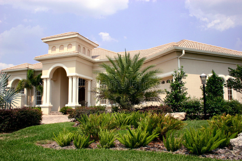 Magnificant neues Haus lizenzfreies stockfoto